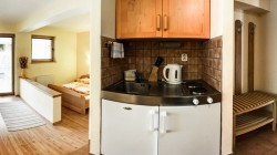Kuchynka apartmán V4