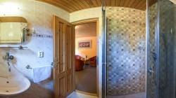 Izba č. 103 kúpeľňa