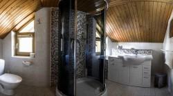 Izba č. 202 kúpeľňa